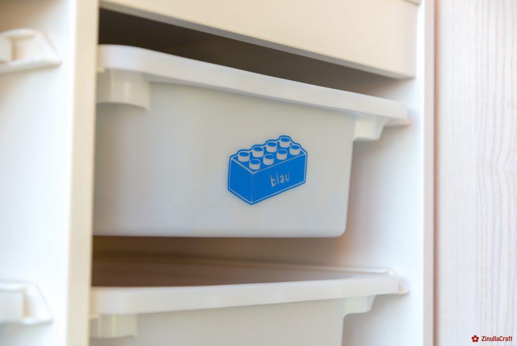 Ikea-Trofast Regal mit dem Plotter zu einem tollen Lego-Regal gemacht